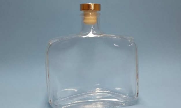 garrafa quadrada whisk 350ml